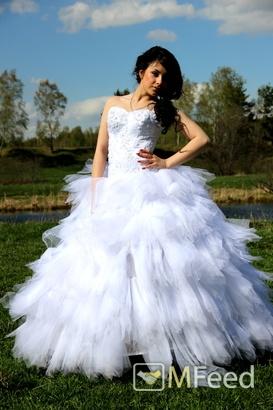 Свадебное платье (не дорого)