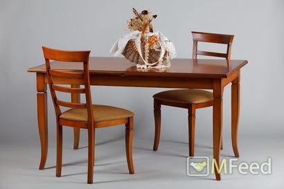 Раскладной обеденный стол из массива
