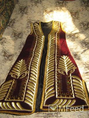 Национальные женские узбекские халаты