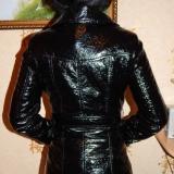 Новая лаковая куртка