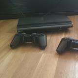 Playstation 3 с тремя дисками и двумя джойстиками