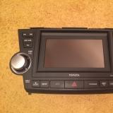Штатная навигация-магнитола от Toyota highlander
